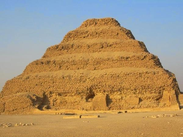100611484_step pyramid of djoser in saqqara