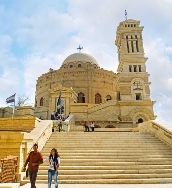 cairo_egypt_-_october_12_2014_the_rotunda_building_of_st_george_mar_jirjis_church_with_high_belfry_located_in_the_coptic_quarter_on_october_12_in_cairo